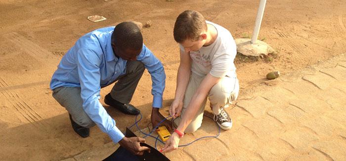 Ingénieux Sud a reçu le Global Education Innovation Award en 2014