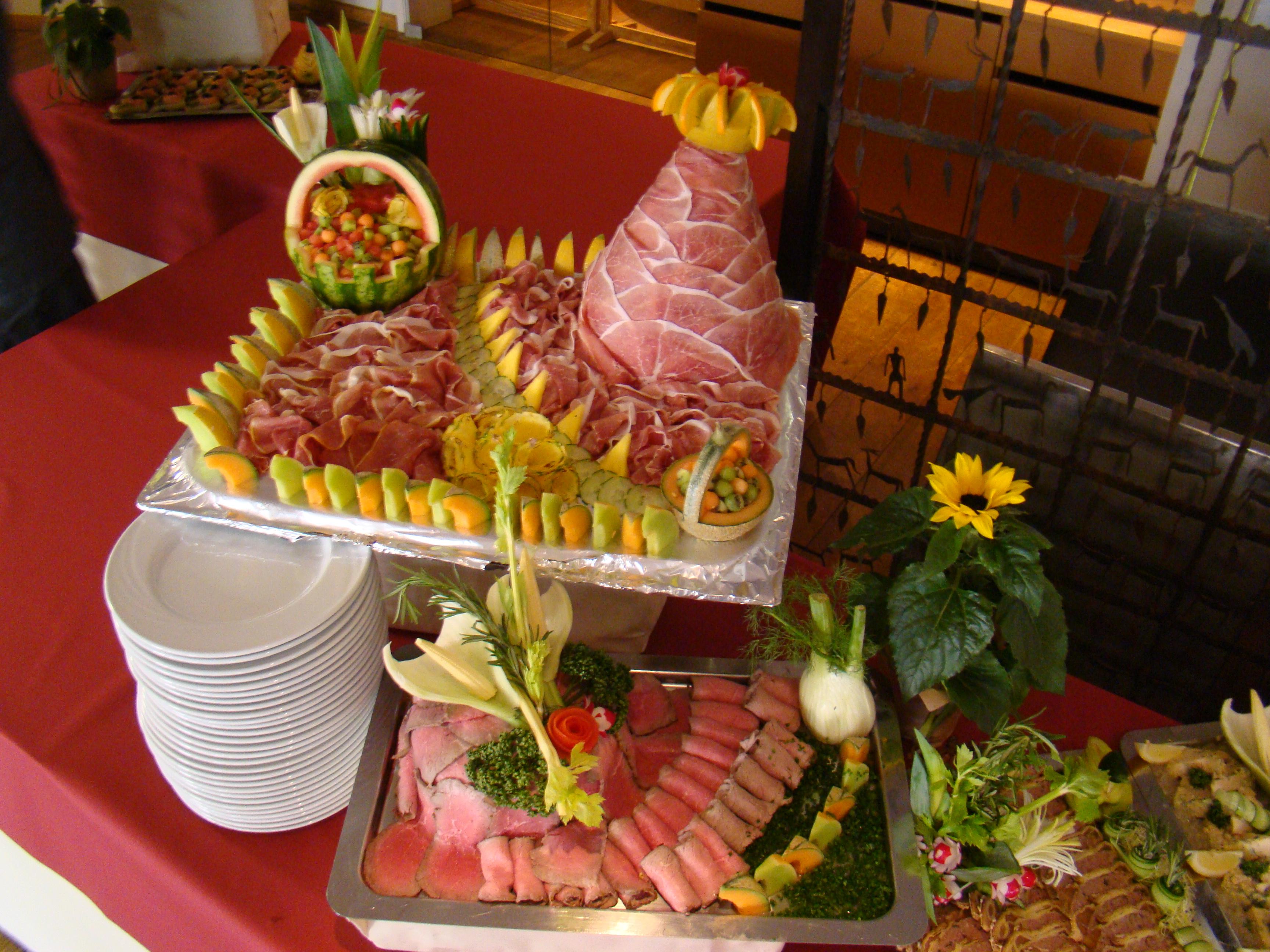 1000 images about buffets on pinterest buffet for Assiette foie gras decoration
